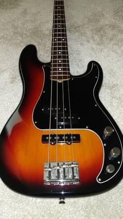 Photo Fender P-J Bass Magnificent 7 LtdEd - $1,400 (Austin)