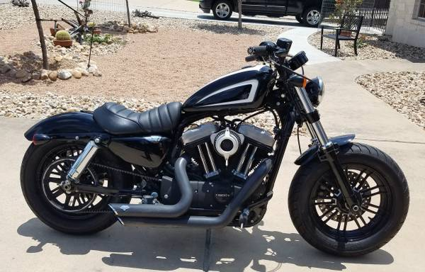 Photo Harley Davidson 48 Sportster XL1200 - $6,900 (Point Venture)