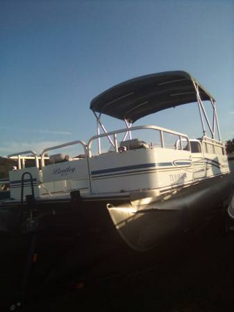 Photo PONTOON BOAT with TRAILER 2005 BENTLEY 20 foot fish 50 HP - $6,450 (Marble falls)