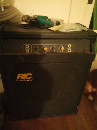 Photo Rickenbacker and First Act Amps - $45 (San Angelo)