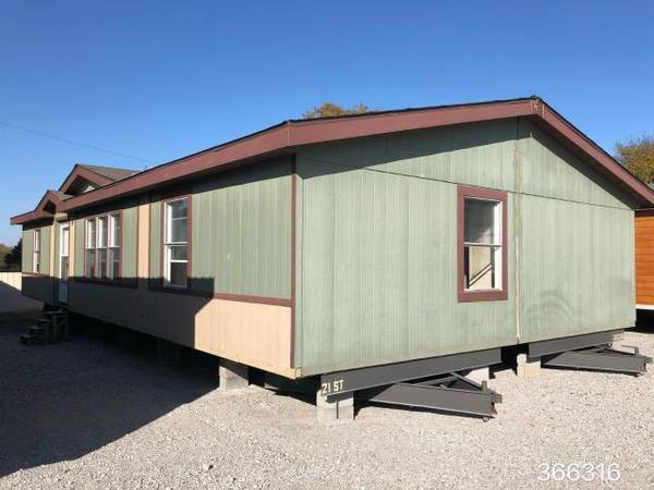Photo Used bank repo double wide mobile home for sale. (Deliver to your land anywhere in TEXAS)
