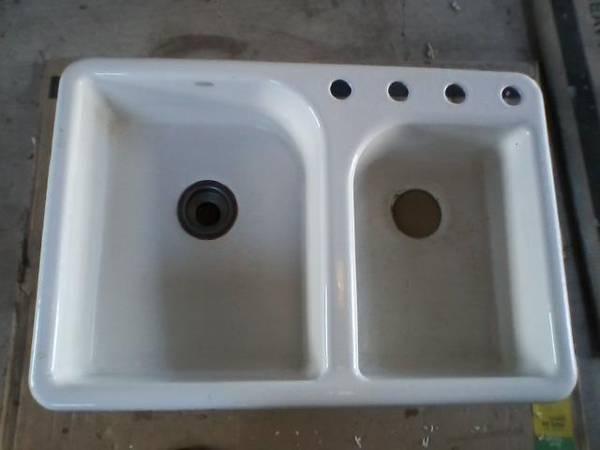 Photo White, Cast Iron Sink by Kohler (near Brownwood)