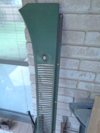 Photo 1960 to 66 chevy pickup parts - $1 (San Antonio)