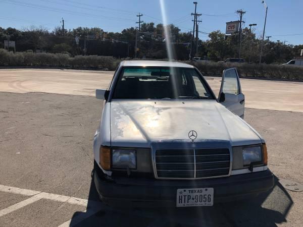 Photo 1991 Mercedes 300E ProjectParts - $300 (San Antonio)