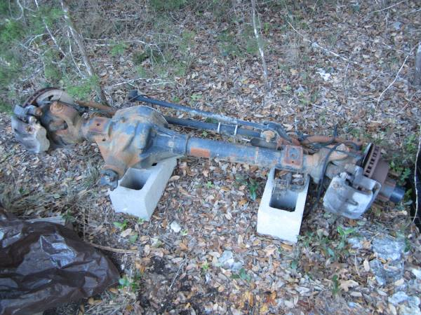 Photo 2003 2004 Ford F250 F350 Dana 60 Front Axle - $800 (Bulverde)
