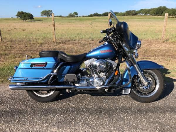 Photo 2005 Harley Electra standard - $6,900 (new braunfels)
