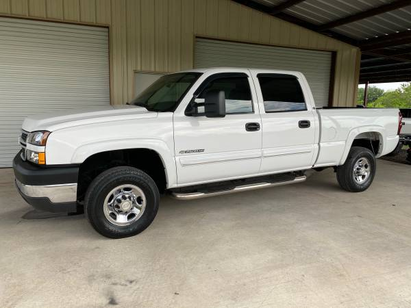 Photo 2007 Classic Silverado 2500HD, 1 owner, 61k original miles, Like New - $17950 (Texas Car Barn 210-219-0048)