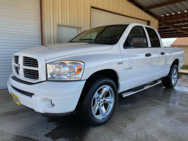 Photo 2008 Dodge Ram Sport, 5.7 Hemi, Buckets, Console, 2039s, Immaculate - $10950 (Texas Car Barn 210-219-0048)