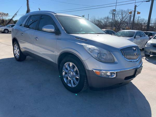 Photo 2012 Buick Enclave Leather (3rd Row Seat) - $4,990 (2027 Rigsby Ave San Antonio TX)