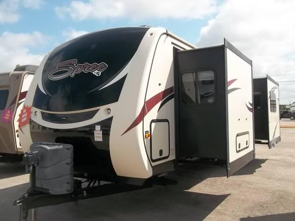 Photo 2016 KZ Spree rear kitchen travel trailer, model 339, clean - $34,900 (San Antonio)