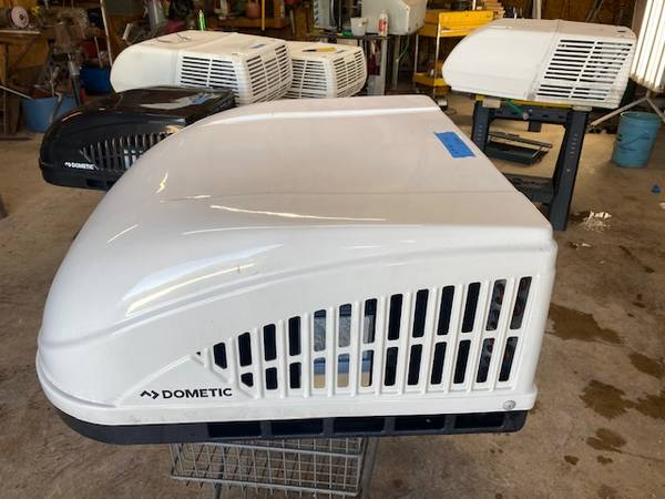 Photo Air conditioner -Used rv roof ac - $325 (Boerne)