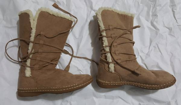 Photo Airwalk - Womens Boots  Shoes size 6 - $25 (Lackland area)