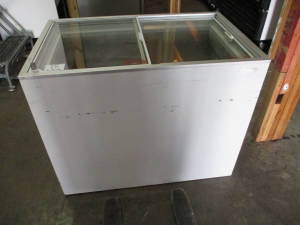 Photo Austria Haustechnik AG Ice Cream Freezer (371) $250 - $250 (SAN ANTONIO)