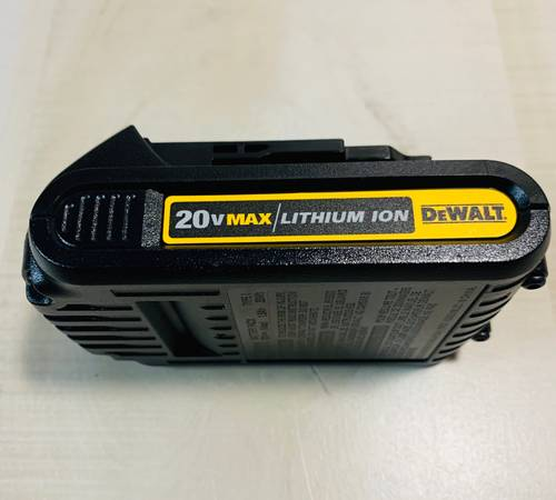 Photo Battery 1.5 AH 20v Max Li-Ion DCB201 DEWALT NEW - $30 (NorthEast San Antonio)