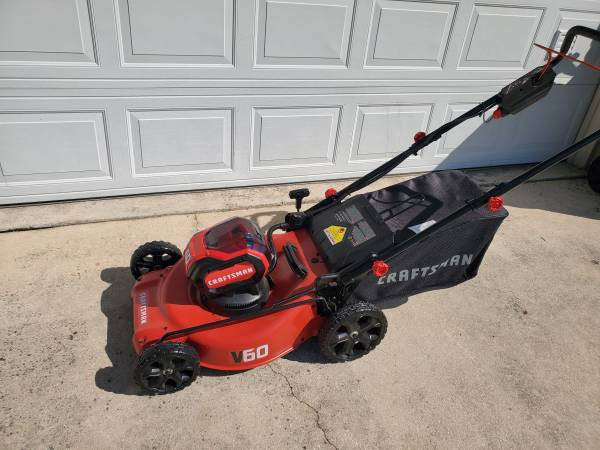 Photo CRAFTSMAN V60 60-volt Max 21-in Cordless Electric Lawn Mower BRAND NEW - $250 (NW near Sea World)