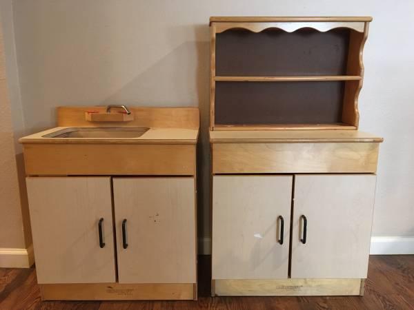 Photo Childcraft play kitchen 3 piece - $235 (San Antonio)