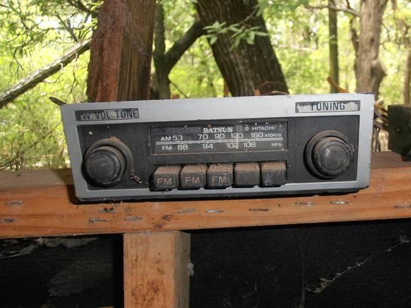 Photo DATSUN RADIO - $90 (SPRING BRANCH)
