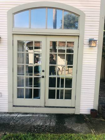Photo DOUBLE FRENCH DOORS WITH SCREENS - $375 (San Antonio)