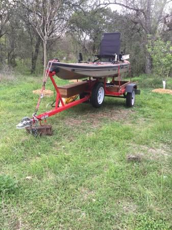 Photo Diablo Adios kayak and Trailer - $2150 (Helotes)