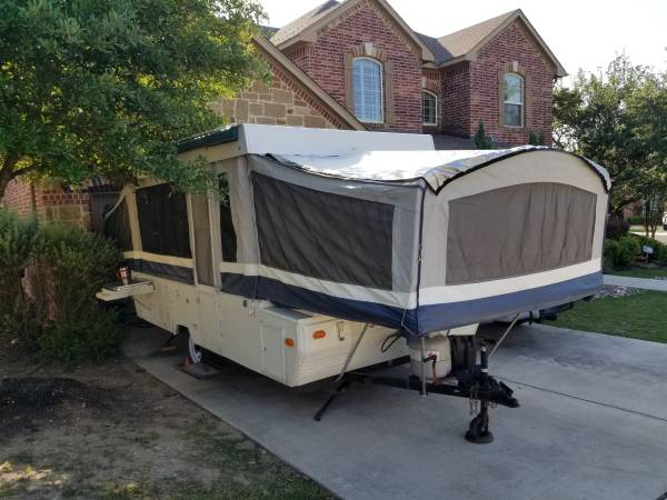 Photo Dutchmen Pop Up Cer - $3,000 (San Antonio)