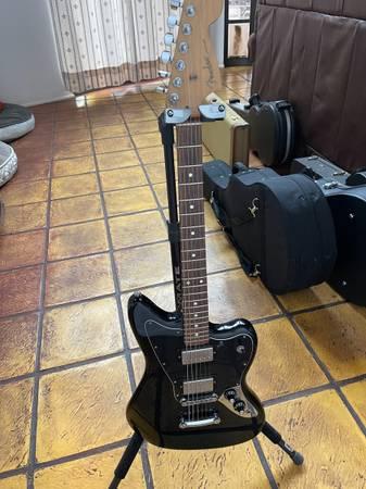 Photo Fender MIM Jaguar Make Offer - $500 (Helotes)
