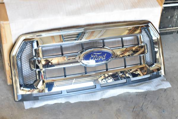 Photo Ford F150 Grill - $150 (Northeast)