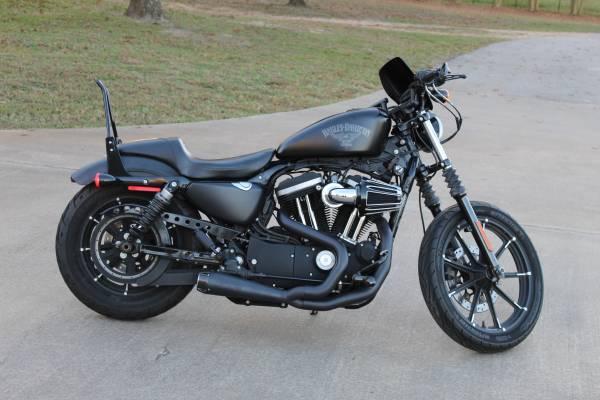 Photo Harley Davidson Iron 883 Sportster 1250cc - $8,000 (Austin)