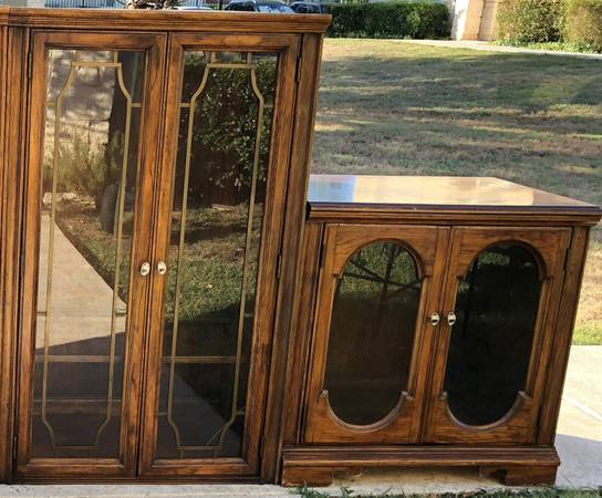 Photo Matching set 2 cabinets - glass doors  shelves $95 and $75, both $150 - $75 (Boerne)