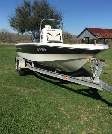 Photo One Owner 2010 Bay Stealth 21 - $12800