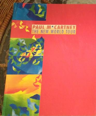 Photo Paul McCartney The New World Tour - Concert Book 1 - $20 (North Central San Antonio)