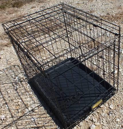 Photo Pet Crate  Collapsible 24 x 19 x 21 Wide Door - $15 (Seguin, TX)