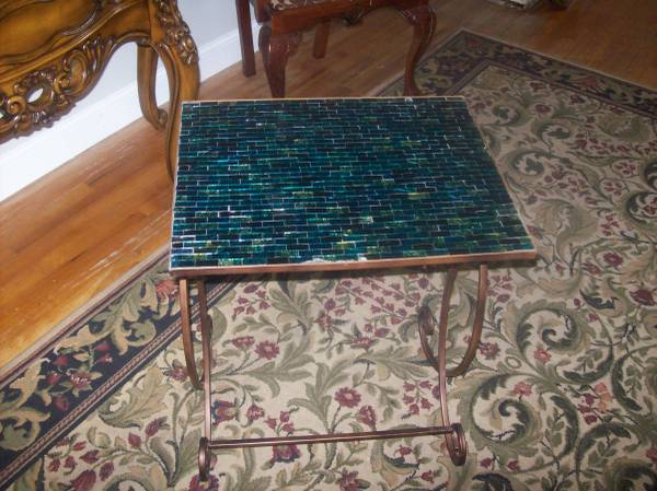 Photo Pier 1 Cerulean Mosaic and Iron Side Table - $45 (N. Central)