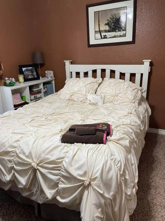 Photo Pottery Barn Full Sized Bed Set with Desk - $400 (Canyon Lake)