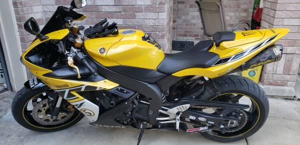 Photo REDUCED..Yamaha R1 50th Anni. - $4000