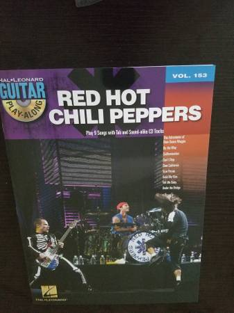 Photo Red Hot Chili Peppers Guitar Play-Along Volume 153 - $12 (SAN ANTONIO)