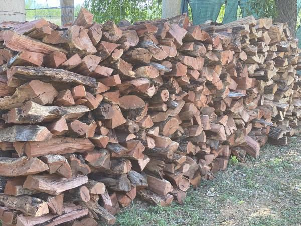 Photo Seasoned Fire Wood Mesquite -Oak FireWood 4 fireplaces - $160 (Lytle)