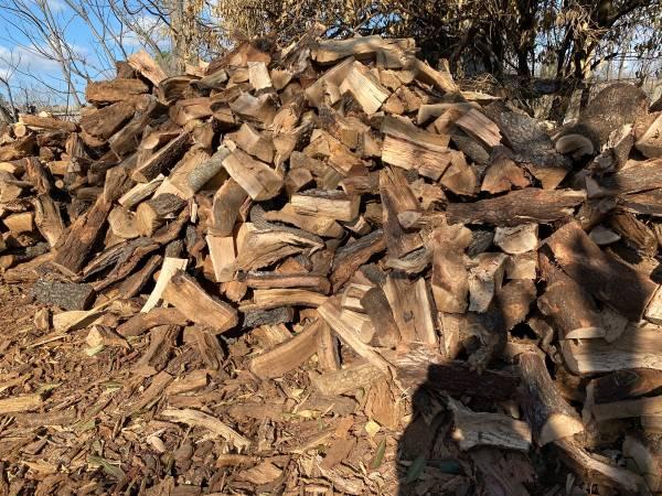 Photo Seasoned Fire Wood Mesquite -Oak Firewood  cfireplace - $160 (Lytle)
