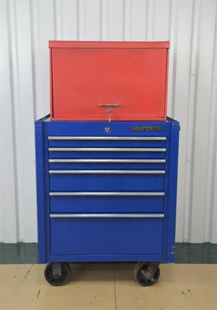 Photo Snap-On Red 9 Drawer Tool Box w Matco 4122R 4s Single Bay 22quot Rollaway - $595 (Converse)