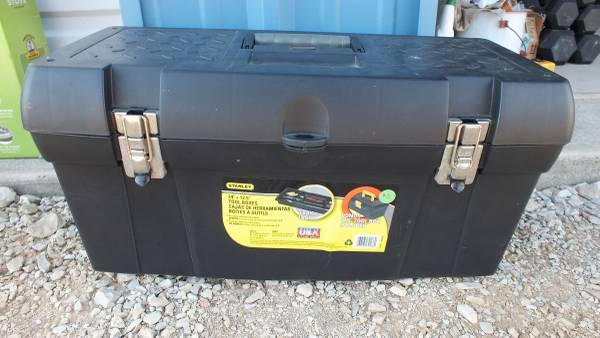 Photo Stanley Black  Decker STST24113 24 Tool Box With 23 Tray - $20 (Seguin, Tx)