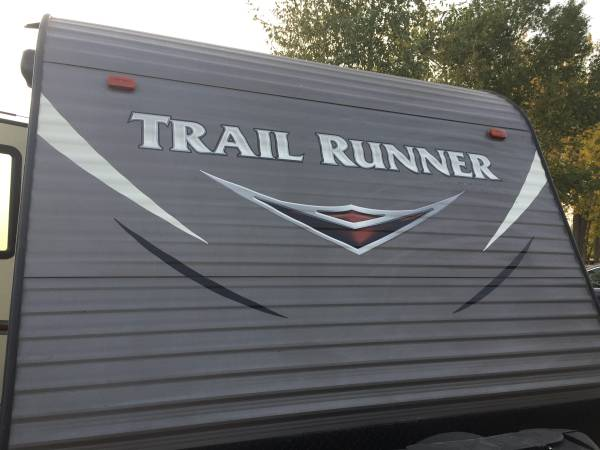 Photo TRAILRUNNER TOY HAULER - $18,500 (Canyon Lake)