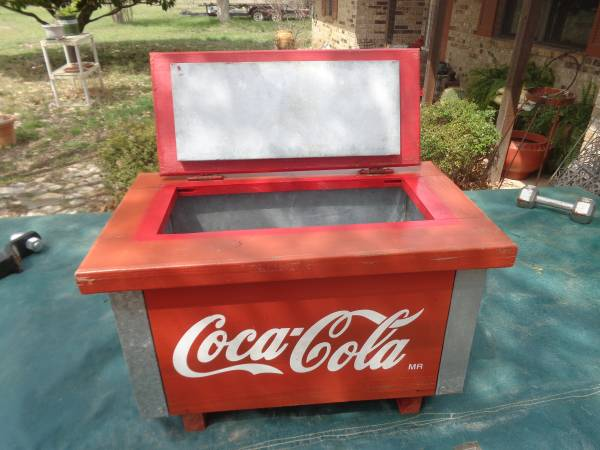 Photo Vintage Wood Coca Cola Cooler wMetal Lining - $75 (Center Point)