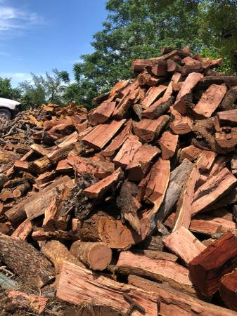 Photo Fire Wood seasoned Oak and Red Mesquite FireWood 4 Bbq - $160 (Lytle)