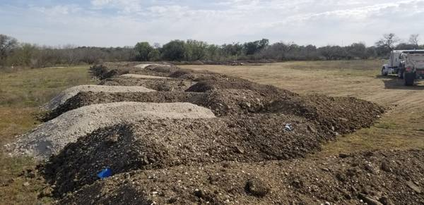 Photo free clean fill dirt delivered 18 wheeler loads (not topsoil or base ) (san antonio)