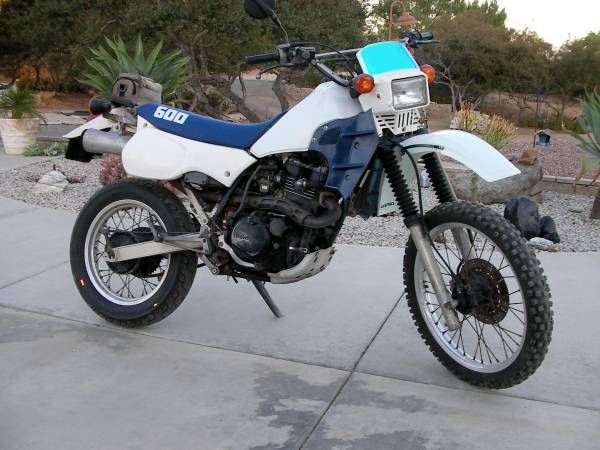 Photo 1986 Kawasaki KL600 Dual Sport bike -Vintage fun - $2,600
