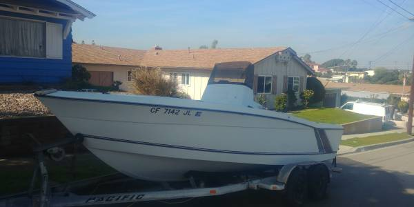 Photo 1987 Larson DC 204 Center console - $3500 (Chula Vista)