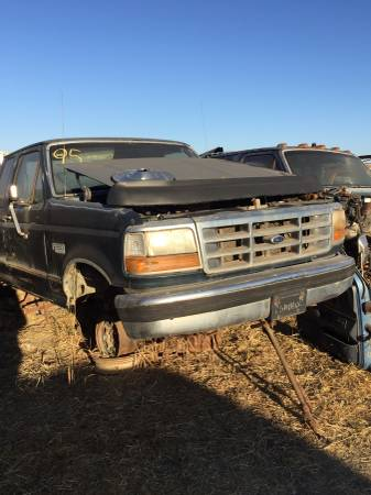 Photo 1995 Bronco parting out 15 ford broncos 1980 - 1995 (San diego)