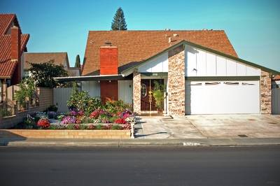 Photo 1 Room for Rent - Fast Internet, Swimming Pool, Laundry, Parking (Mira Mesa)