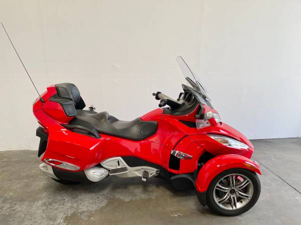 Photo 2012 Can Am Spyder RTS with Reverse - $13,500 (Vista)
