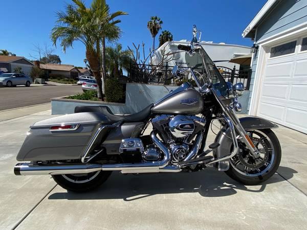 Photo 2016 Harley davidson road king - $17,500 (san diego)