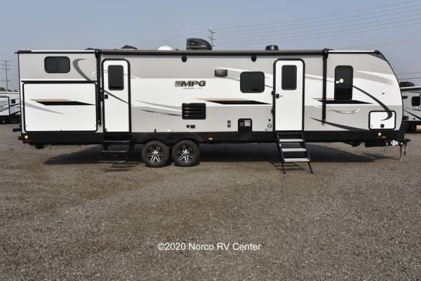 Photo 2021 Cruiser MPG 3100BH Upgraded Travel Trailer - KING BED - $36,999 (Norco)